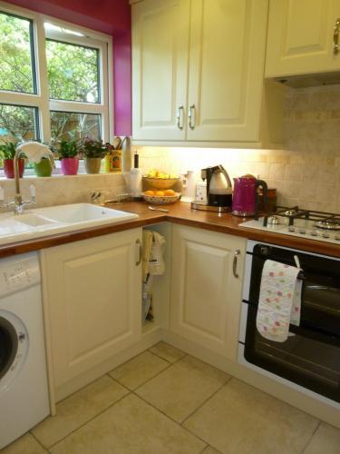 Kitchen-Tiles-001